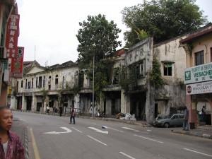 早期蘇丹街最有名的積善堂在2006年底拆除,接下來的徵收與拆除,將意味蘇丹街的文化與歷史將被根除。
